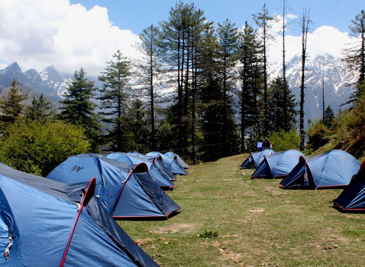 Practical Reasons to Take a Group Tour With Camping